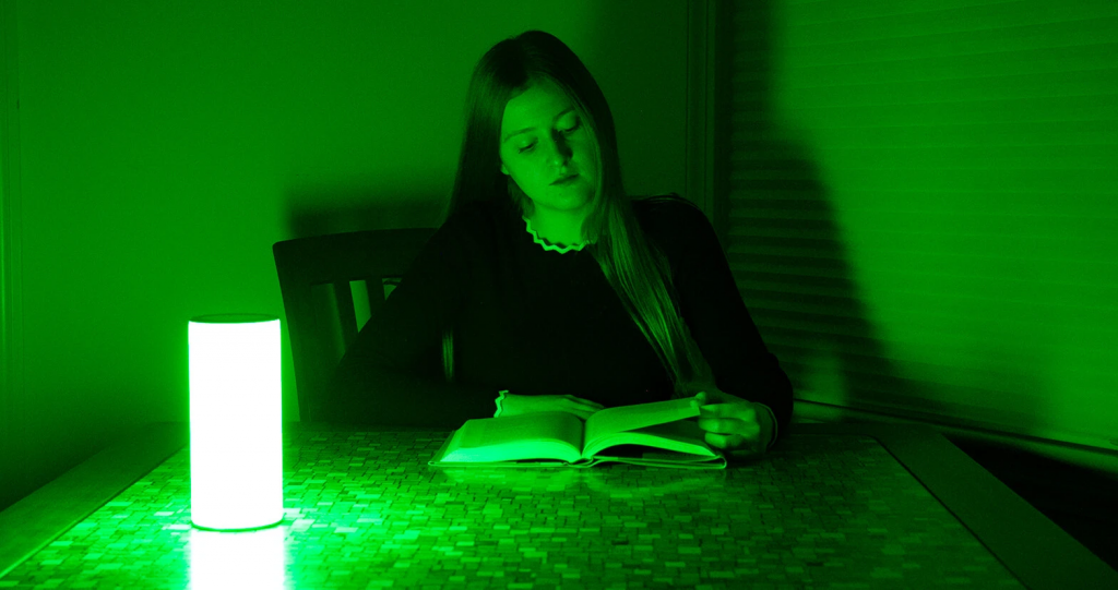 Green light therapy for pain relief